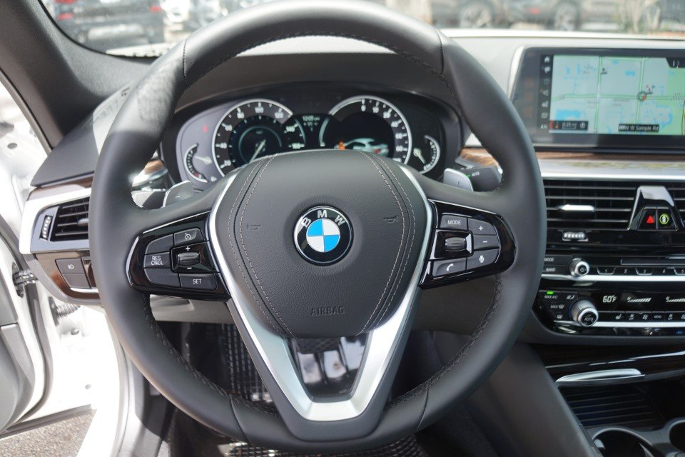 New 2018 BMW 530e iPerformance